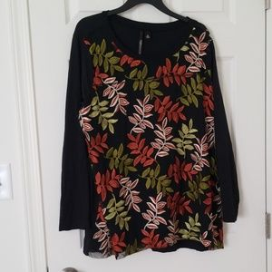 Skye's the limit 2x embroidered leaf top black